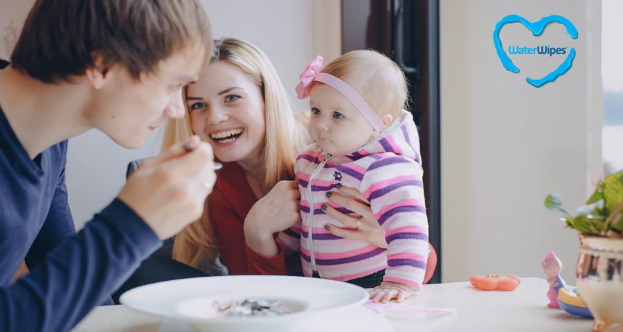 Mit és mikor adhatunk a babáknak - WaterWipes Baba Mama Blog